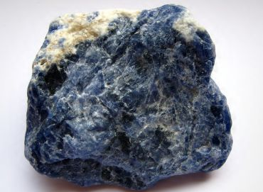 Into the 'New' with Archangel Raziel and the beautiful Iolite
