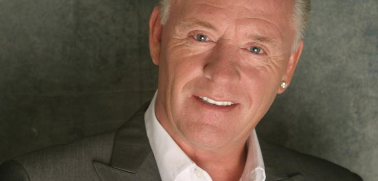 Silent Voices Meets Derek Acorah