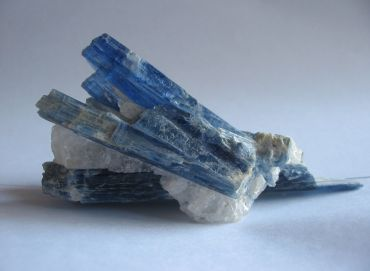 Angelic Crystal Card: 44. Kyanite